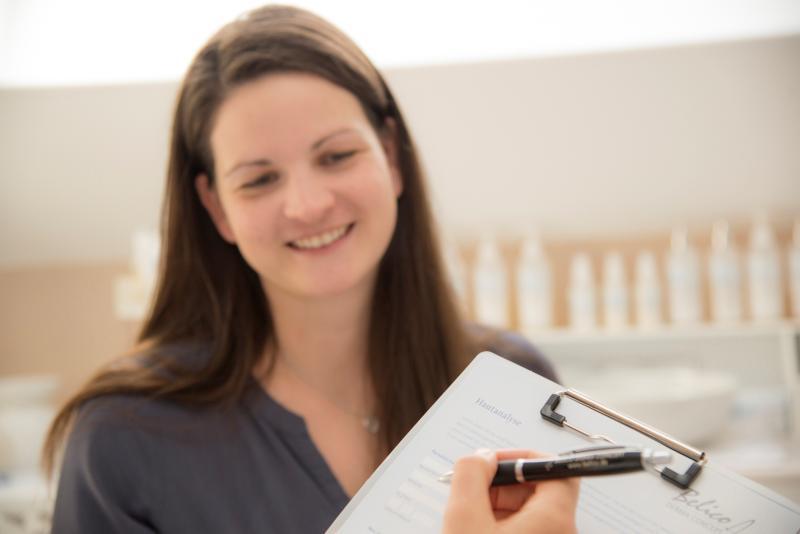 Sinlinea - Erst-Behandlung - Fragebogen zur Hauttpyfeststellung